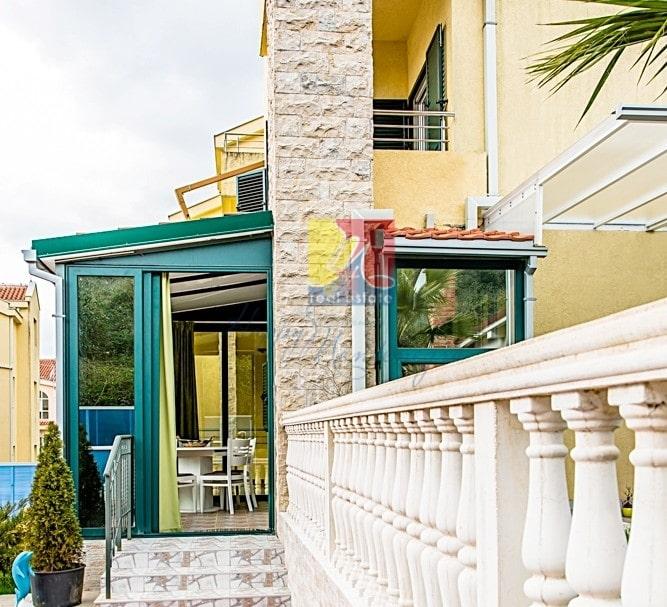 Квартира 99 м2 рядом с Портонови в пригороде Херцег Нови