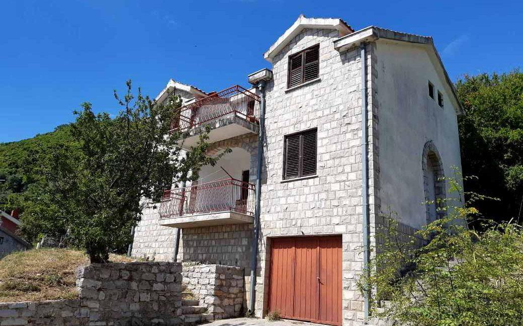 Happy-Montenegro-dom-s-vidom-na-more6