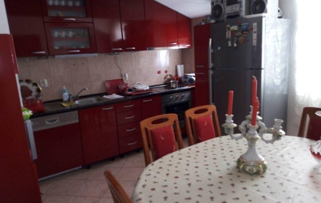 zcq2figvif-kuhinja