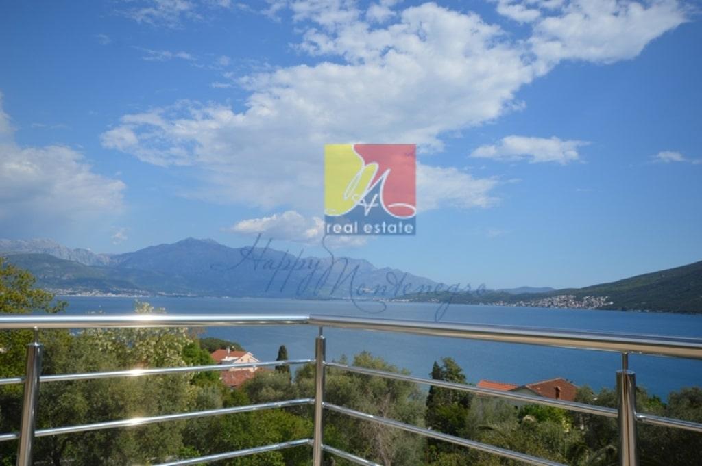 Вилла с великолепным видом на море Херцег Нови