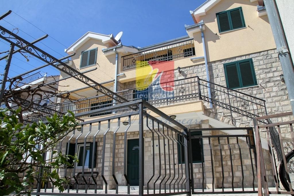 Дом в Херцег Нови с видом на море