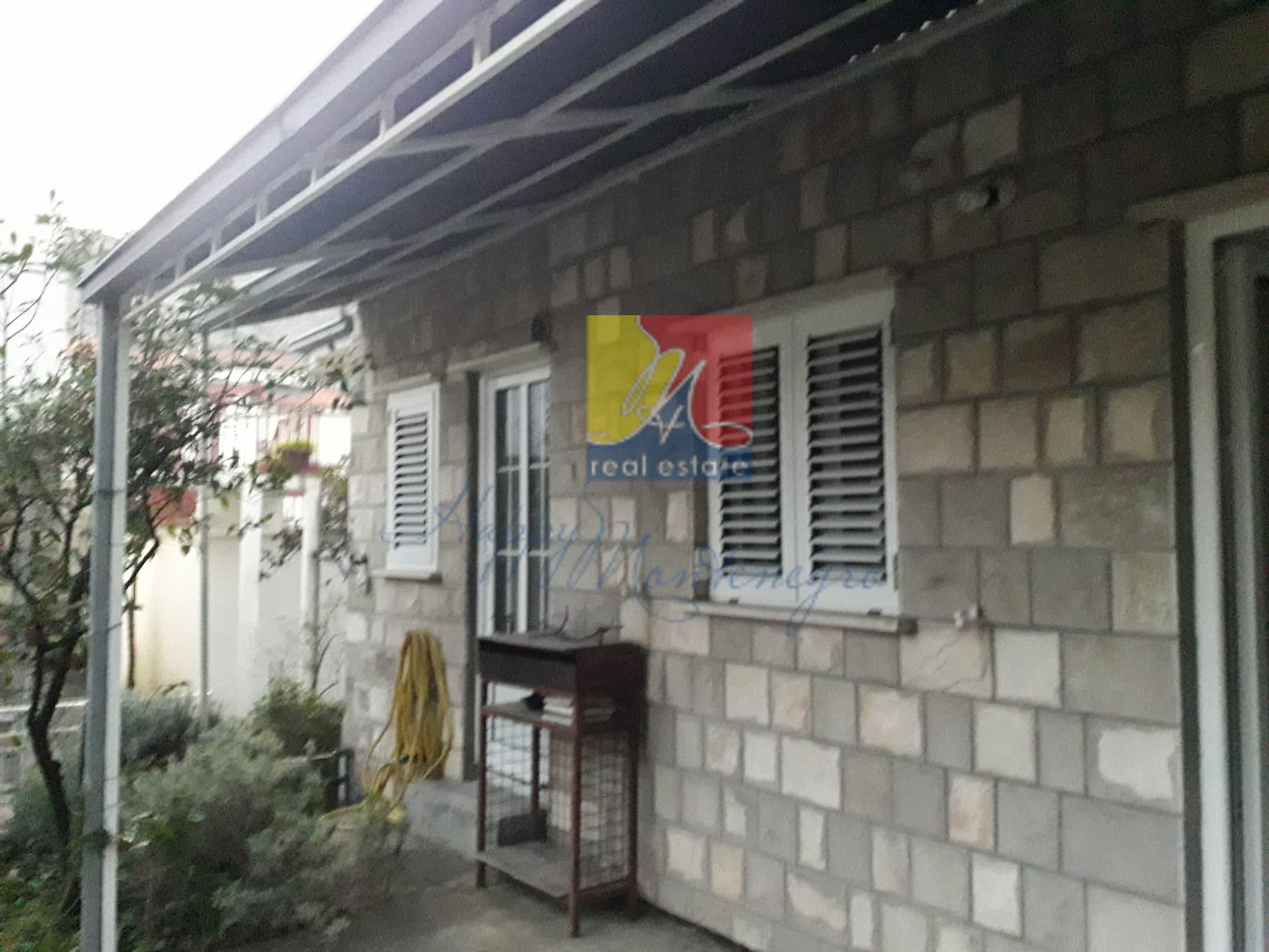 Дом у моря в Игало