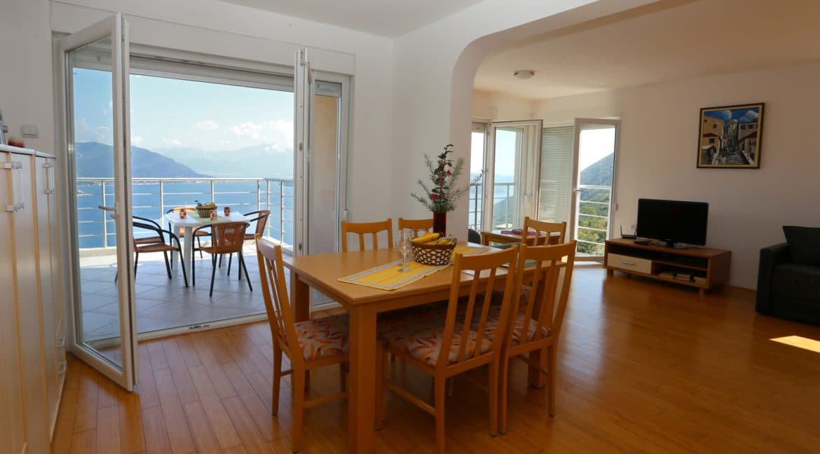 dining space2