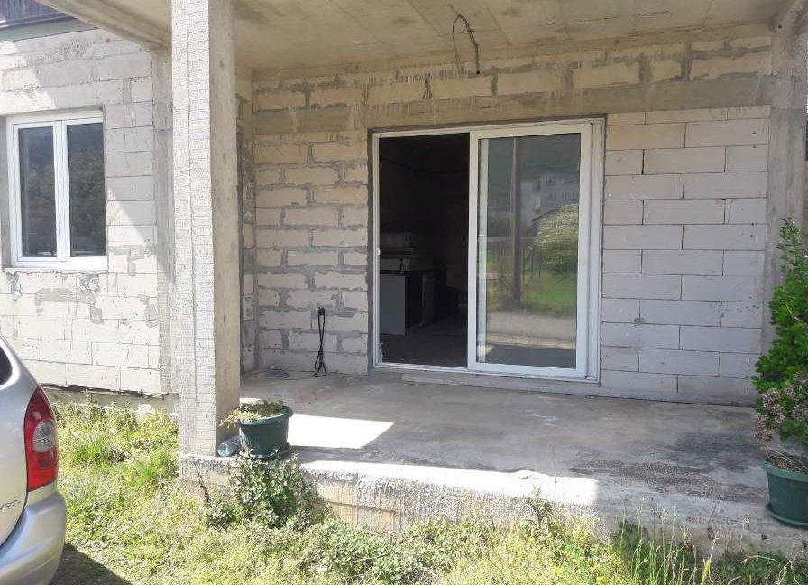 dom-v-zelenike-fasad