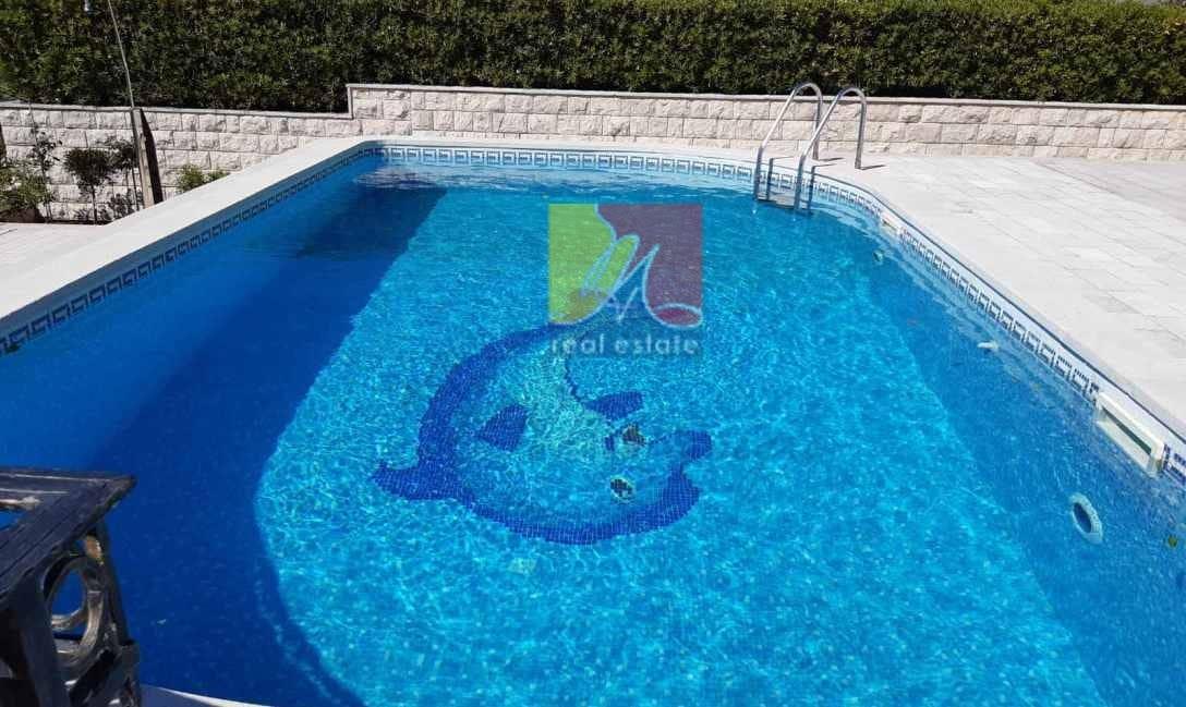 HappyMontenegro-villa-bassejn