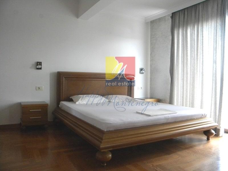 HappyMontenegro-villa-spalnya6