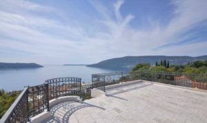купить виллу в черногории на море