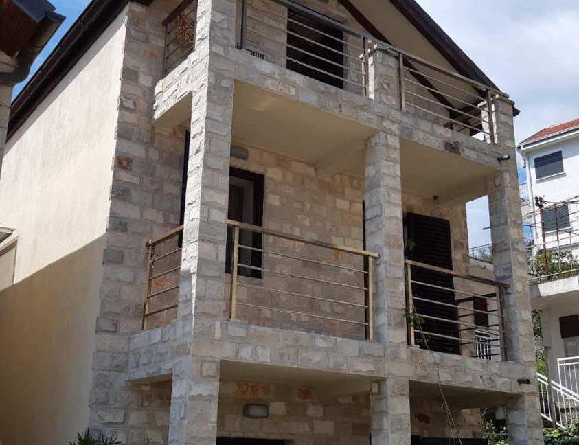 dom-na-more-fasad