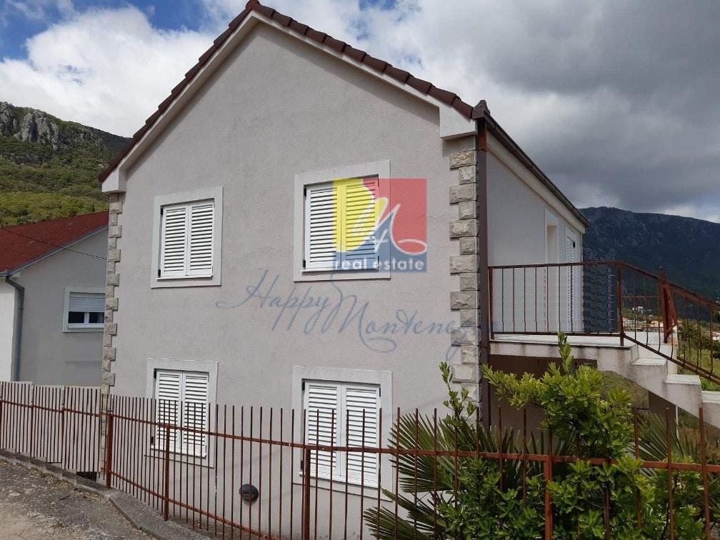 Дом в экорайоне с видом на горы