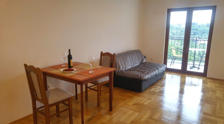 apartamenti-s-vidom-na-more24