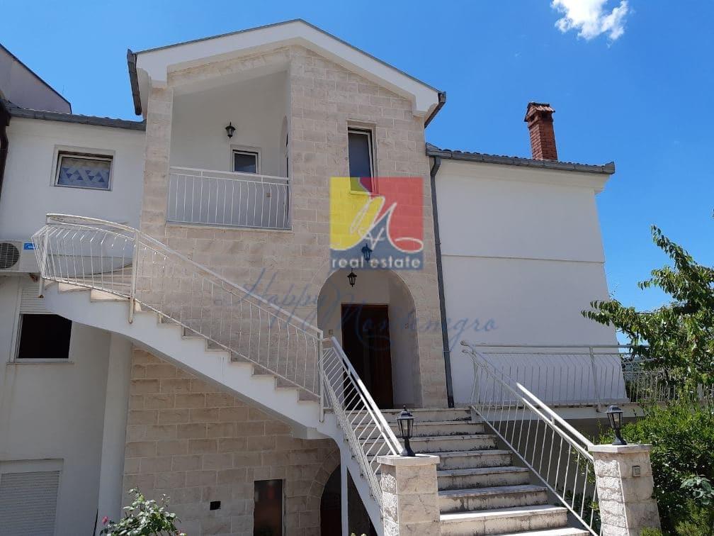 Дом в Херцег Нови