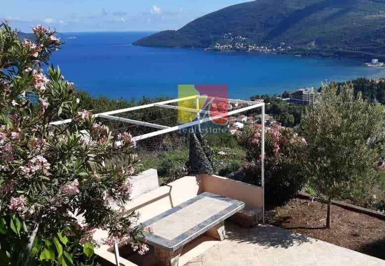 happy-montenegro-dom-na-more-terassa