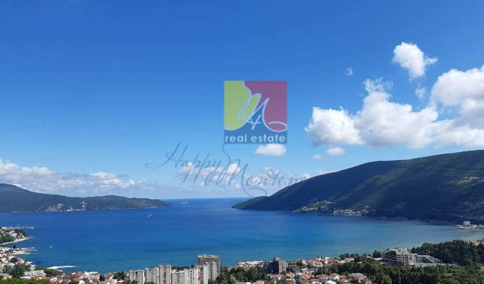 happy-montenegro-dom-na-more1