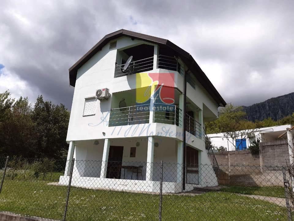 Дом в Черногории в эко районе Херцег Нови