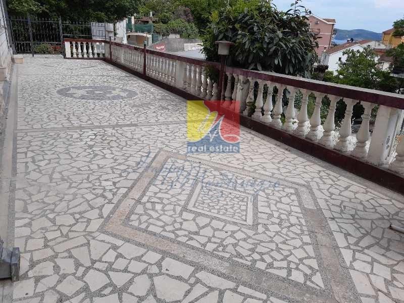 Montenegro-dom-v-chernogorii15