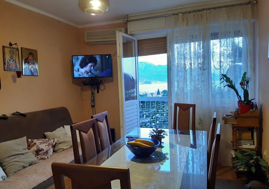 montenegro-kvartira-s-vidom-na-more1