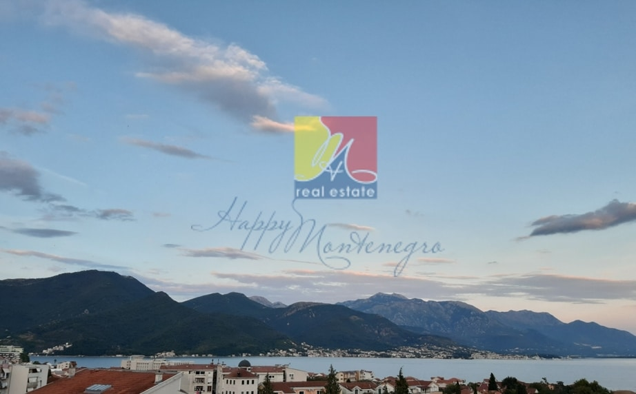 montenegro-kvartira-s-vidom-na-more5