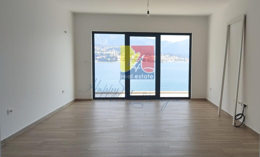 great-seaview-flat-happymontenegro-holl