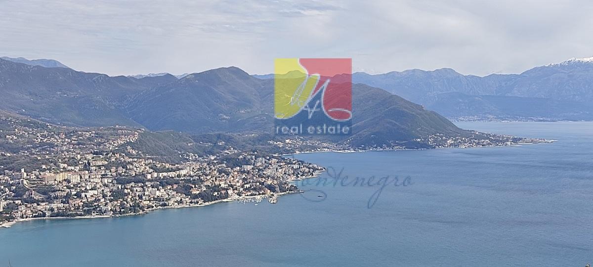 Квартира в Черногории с видом на море