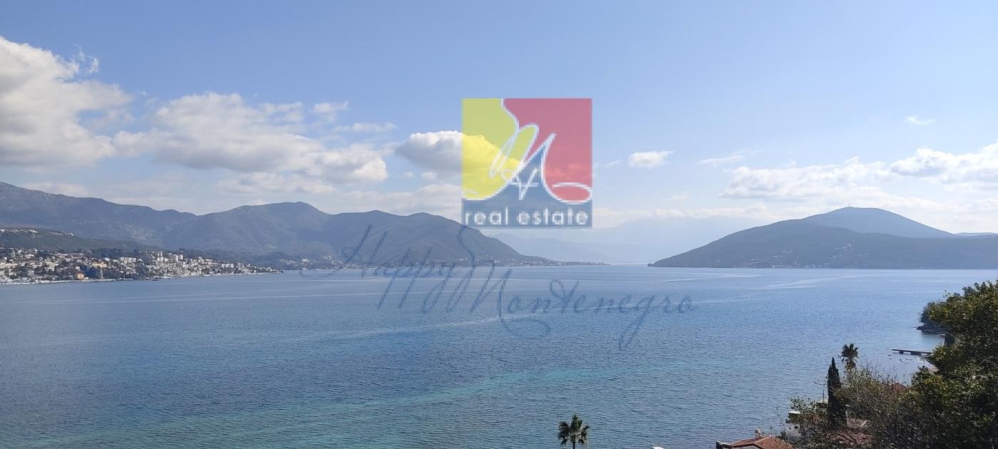 Новая квартира с панорамным видом на Адриатическое море