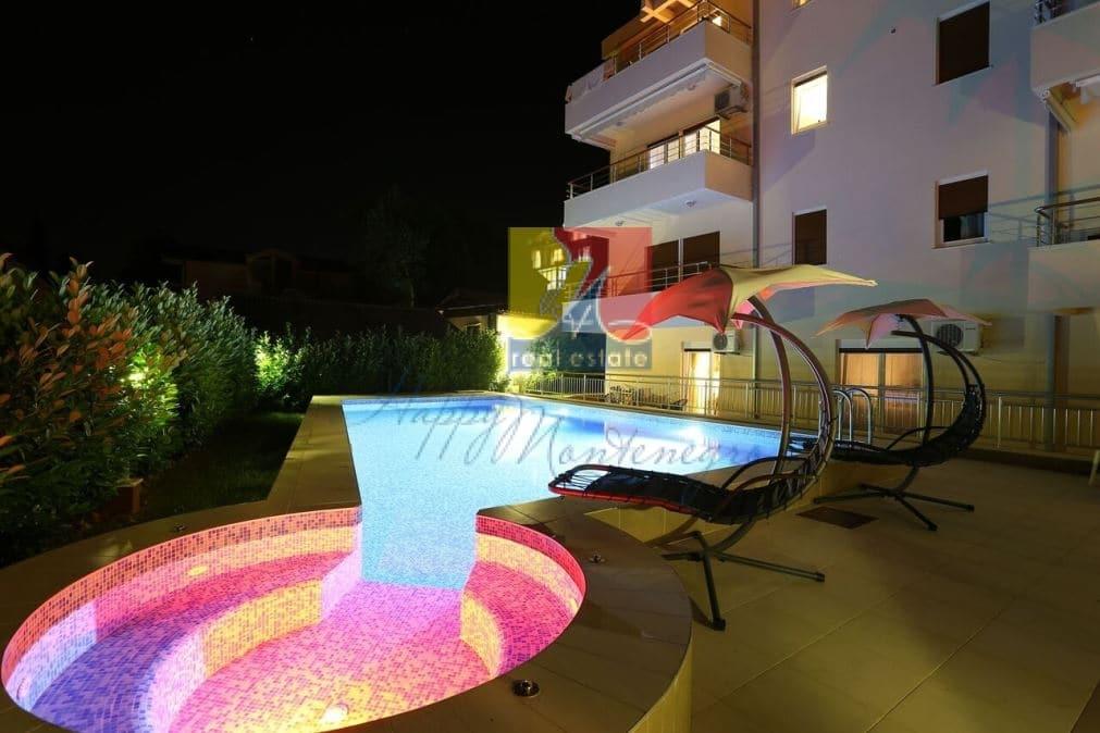 Квартира у моря в комплексе с бассейном